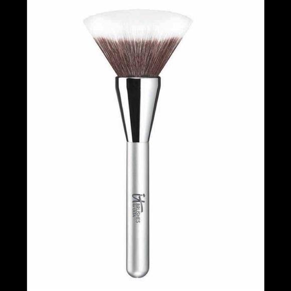 NIB Powder Brush